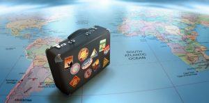 maleta-sobre-mapa-mundi