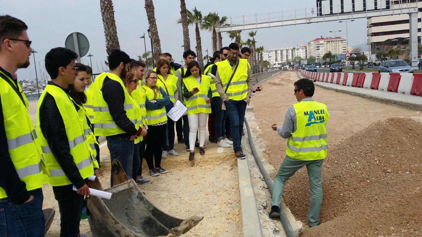 Alumnos del grado en ingenier a civil visitan las for Manuel alba