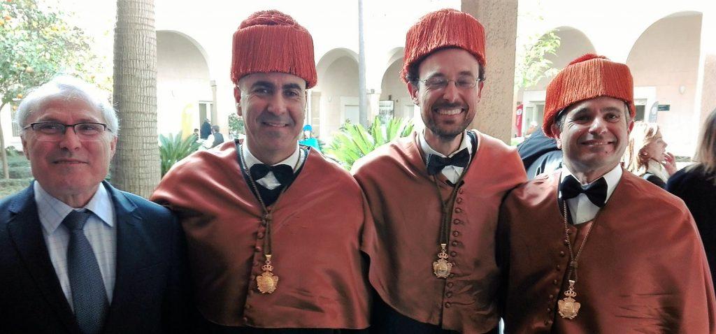 Los nuevos doctores de la EPS de Algeciras se invisten en una ceremonia en el Gran Teatro Falla