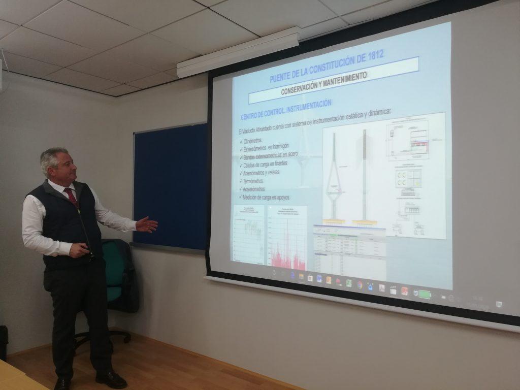 Visita y charla del Jefe de la Unidad de Carreteras del Estado en Cádiz al MICCP