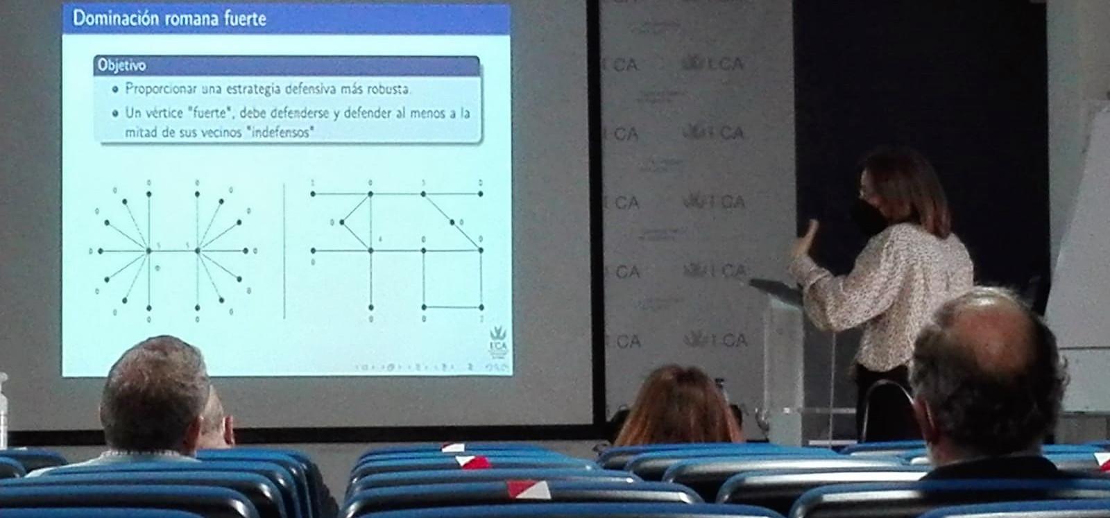La mejora en redes modeladas por grafos sujetos a propiedades estructurales objeto de una tesis doctoral defendida en la EPS de Algeciras